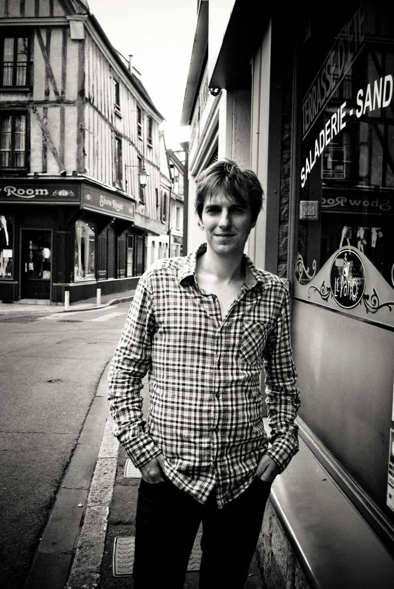 Noé Clément, auteur-compositeur-interprète